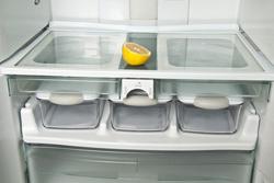 ©Depositphotos/fuzzbones - как убрать из холодильника запах?