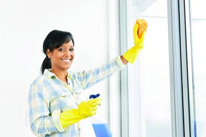 ©Depositphotos/elenathewise - Как и чем мыть пластиковые окна в квартире?